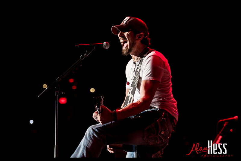 Brian Davis opens for Brantley Gilbert / Valley View Casino Center 2014
