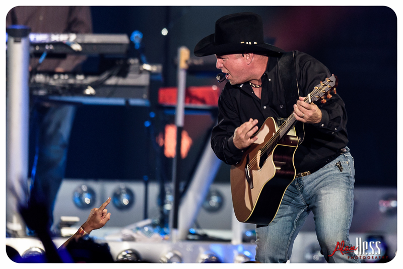 Garth_Brooks_San_Diego-12