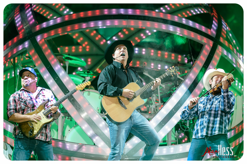 Garth_Brooks_San_Diego-7