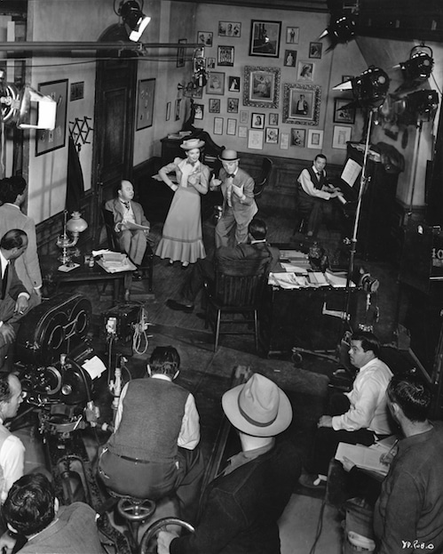 photo of yankee doodle dandy movie set with michael curtiz, james cagney