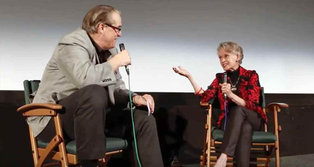 photo of Tippi Hedren being interviewed on stage by Alan K. Rode