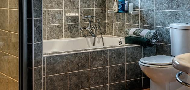 التخلص من رائحة المجاري في الحمام