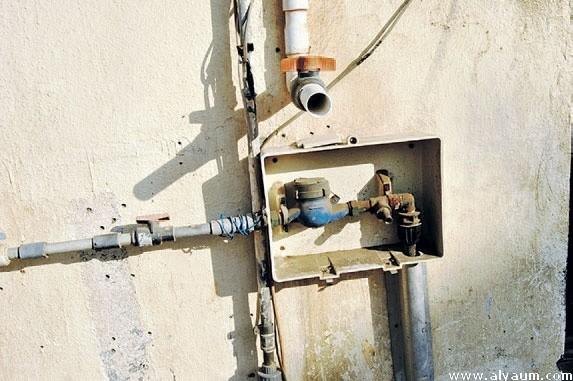 كشف تسربات المياه في الخزان 0555717947 اصلاح تسرب المياه في خط البلديه والدينمو