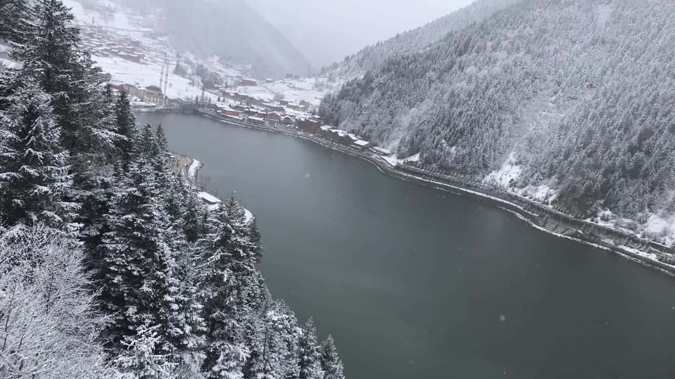 بحيرة اوزنجول في الشتاء