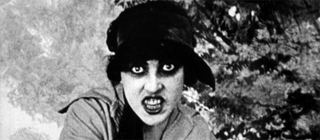 Musidora dans Les Vampires (1915)