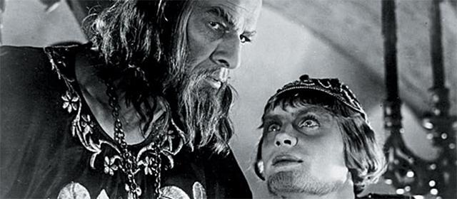 Nikolaï Tcherkassov et Pavel Kadochnikov dans Ivan le Terrible : Partie II (1946)