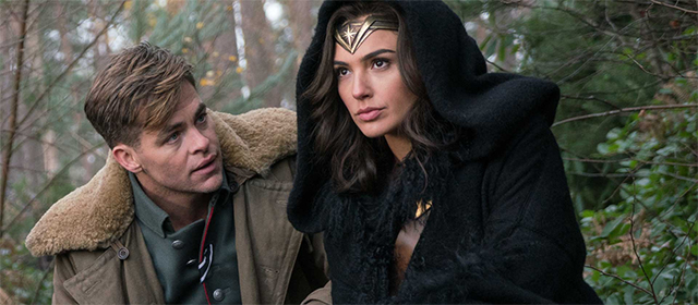 Chris Pine et Gal Gadot dans Wonder Woman (2017)