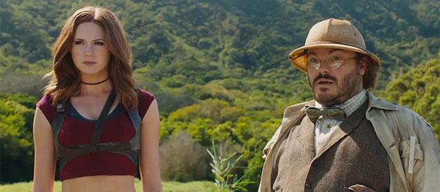 Karen Gillan et Jack Black dans Dwayne Johnson dans Jumanji : Bienvenue dans la jungle (2017)