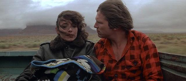 Karen Allen et Jeff Bridges dans Starman (1984)