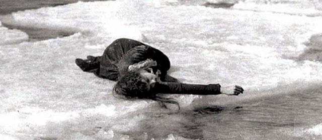 Lillian Gish dans A travers l'orage (1920)