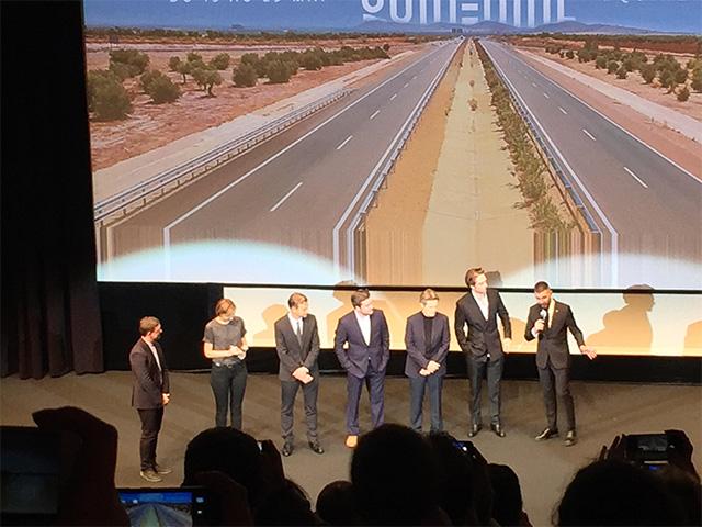 L'équipe du film avec, notamment, de droite à gauche, Robert Eggers, Robert Pattinson et Willem Dafoe (désolé pour la mauvaise qualité)