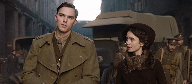 Nicholas Hoult et Lily Collins dans Tolkien (2019)