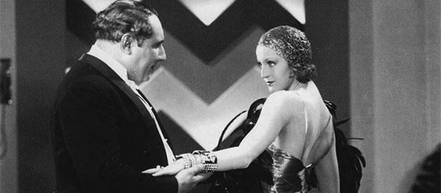 Pierre Alcover et Brigitte Helm dans L'Argent (1928)