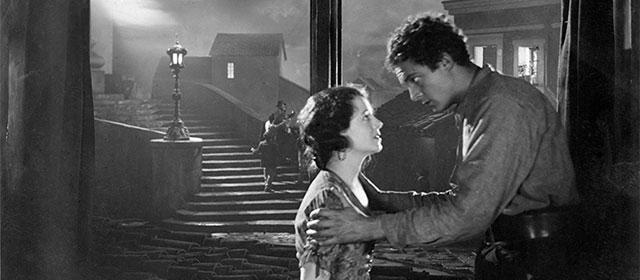 Janet Gaynor et Charles Farrell dans L'Ange de la Rue (1928)