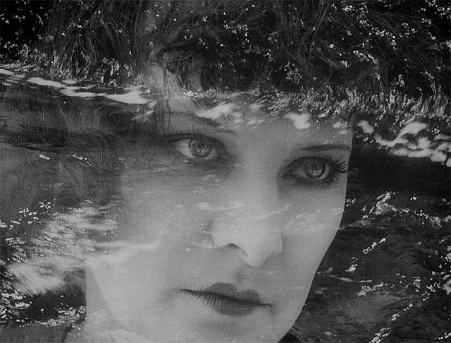 Gina Manès dans Cœur fidèle (1923)
