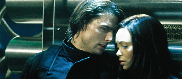 Tom Cruise et Thandie Newton dans Mission Impossible 2 (2000)