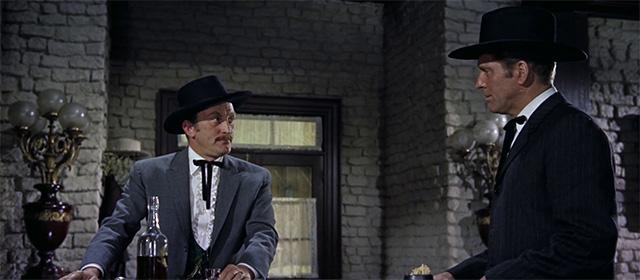 Kirk Douglas et Burt Lancaster dans Règlement de comptes à OK Corral (1957)