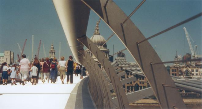 Singing Bridges: Millenium Bridge