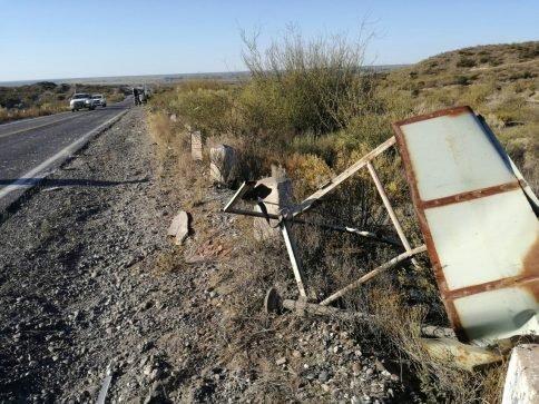 Catriel25Noticias.com ac-carro1-484x363 Ruta 151. Se desprendió un carro y chocó con un camión, un herido leve. (Video) Destacadas NACIONALES