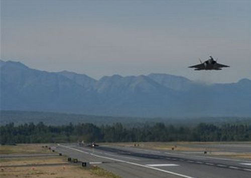 Alaska Applauds Air Force Decision to Base Additional F-22 Jets at JBER