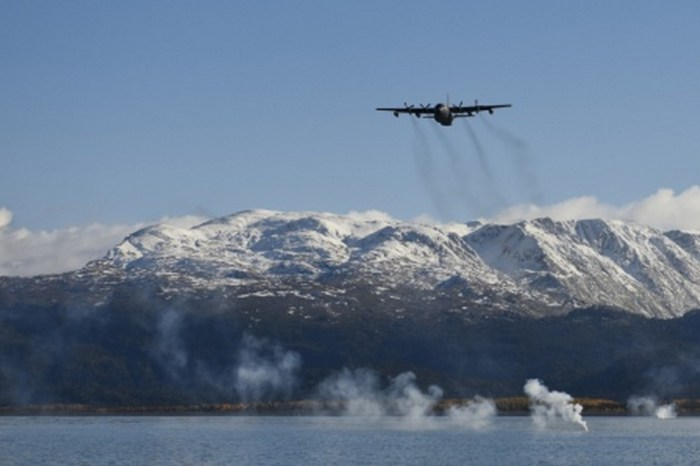 Alaska Air Guard Rescue Trains in Homer Waters