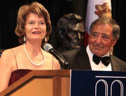 Murkowski Receives Panetta Institute's Jefferson-Lincoln Award