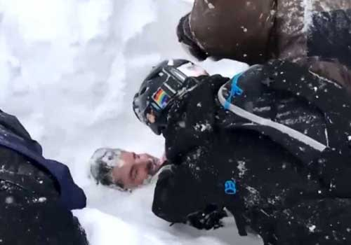 Two California Ski Resorts Hit by Avalanches