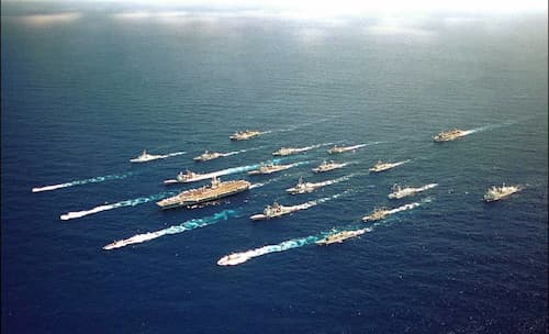 Mixed Mideast Reaction Over US Carrier, Bomber Task Force Deployment