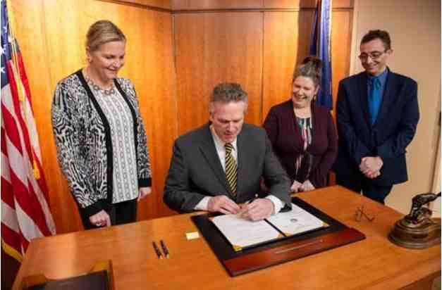Governor Dunleavy Signs HJR 9