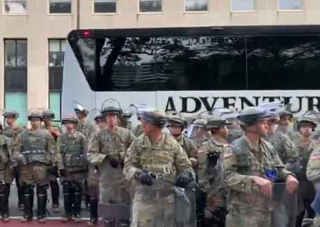 'What Authoritarianism Looks Like': Trump Condemned as Busloads of US Soldiers Arrive in Nation's Capital