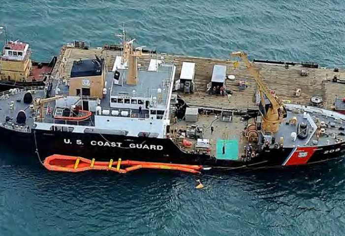 Coast Guard, Navy Conduct Joint Agency Oil Pollution Response Exercise