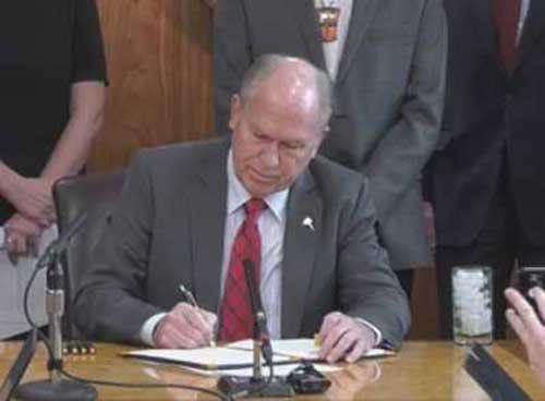 Governor Walker Signs Administrative Order Establishing Climate Change Strategy for Alaska