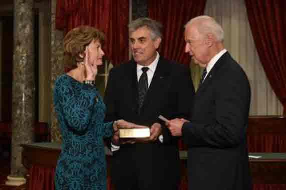 Murkowski Sworn in to Fourth Term as U.S. Senator
