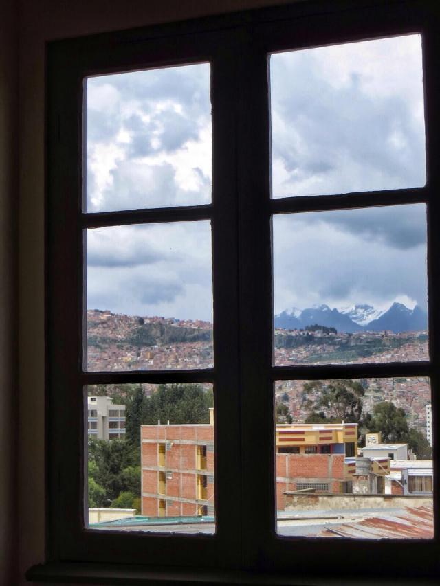 Maisema hotellin ikkunasta.