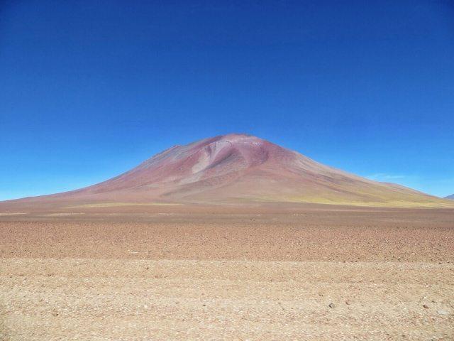 Ihmeellisen värisiä vuoria oli joka puolella.