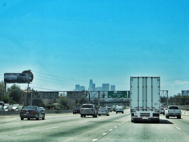 Los Angeles näkyvissä.