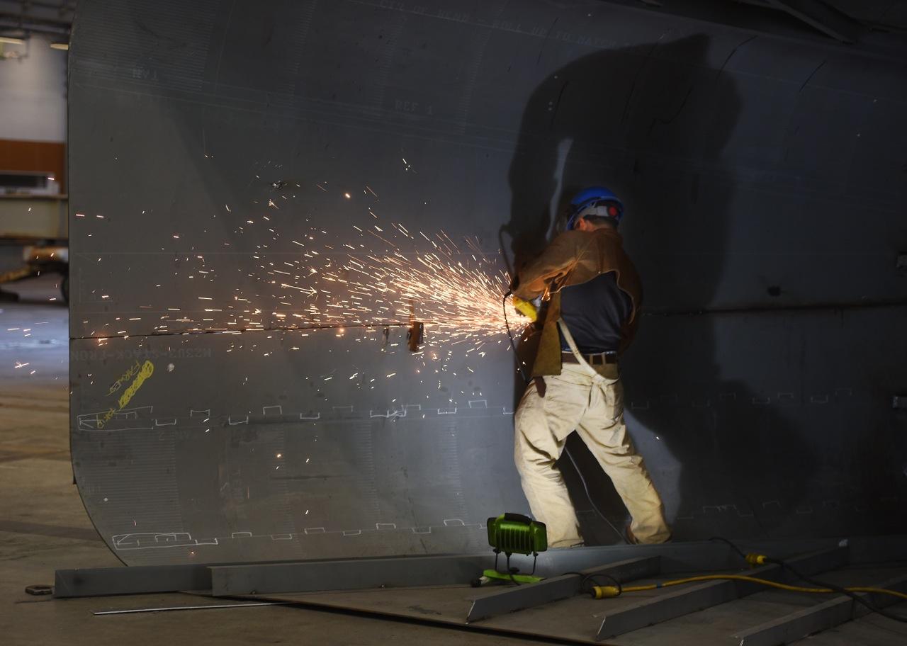 Apprentice on the job (Vigor Alaska)