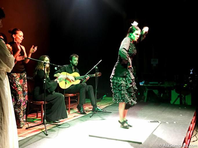 Al Baile Marta Balparda, Guitarra Lian Howarth, al cante Ana Barbas y Carmela La Chocolata a las palmas