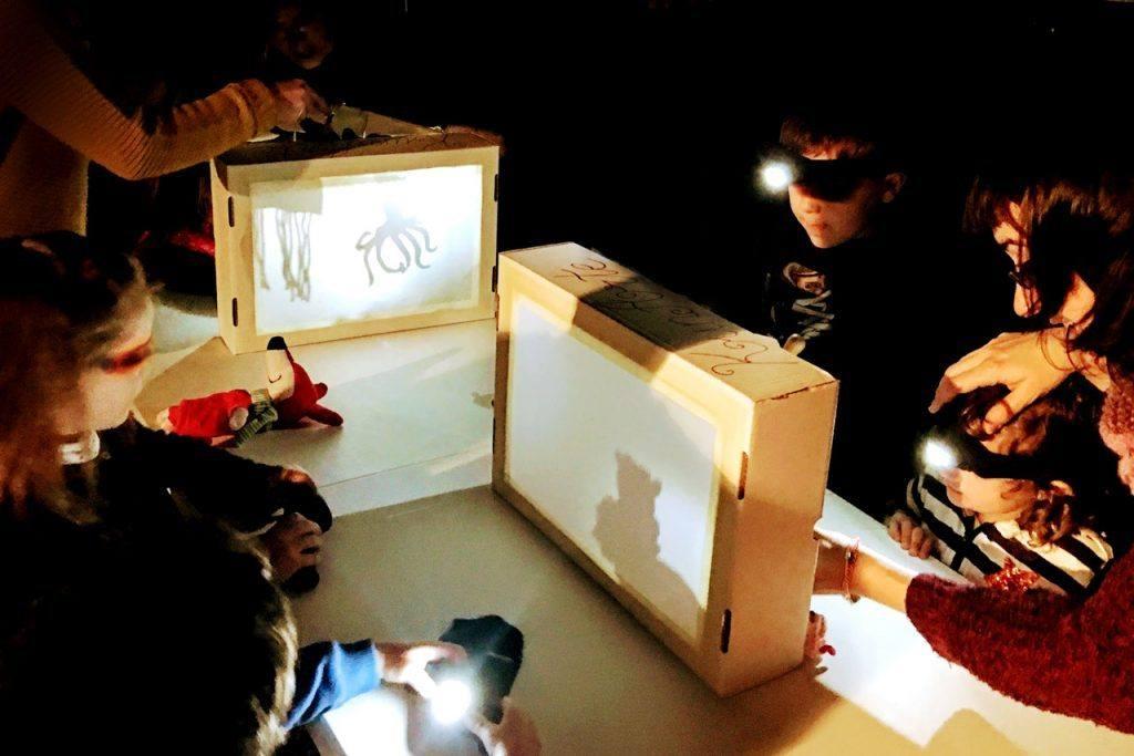 Temáticas creativas para un teatro de sombras