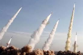 صورة مناورات إيرانية في هرمز وبومبيو يبرر خفض القوات