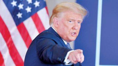 صورة إندبندنت: هل يعفو الرئيس ترامب عن نفسه؟