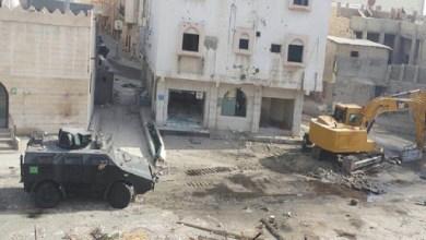"""صورة العنصرية السعودية ضد الأقليات… قوات """"آل سعود"""" تهدم مسجداً في العوامية"""
