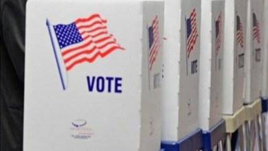 صورة بيلوسي تعلن فوز المرشحين الديمقراطيين بمقعدي مجلس الشيوخ عن ولاية جورجيا