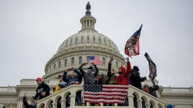 صورة قناة روسيا اليوم لماذا فشلت الثورة في الولايات المتحدة الأمريكية؟
