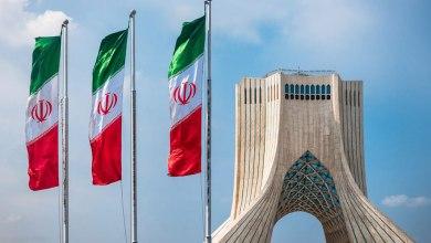 صورة سقوط الامبراطوريات وعقائدها السياسية ، وتألق إيران الإسلامية