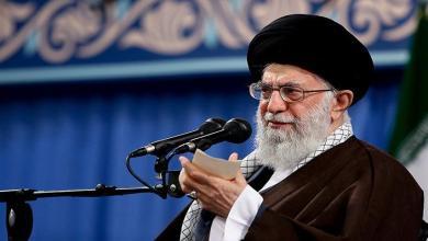 صورة نداء الإمام الخامنئي بمناسبة بداية عام 1400 الهجري الشمسي: 1399 عامٌ لهزيمة الضغط الأميركي بالحد الأقصى على إيران