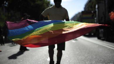 """صورة بعد قرار أميركي.. هل يرفع علم """"مثليي الجنس"""" في العراق؟"""