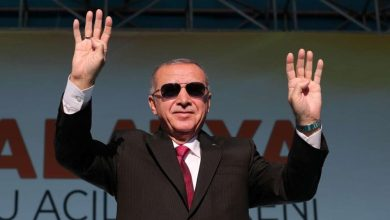 """صورة """"الإخوان"""" إلى أين المفر: تركيا من أمامهم ومصر من ورائهم"""