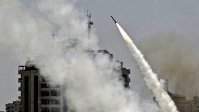 """صورة مجلة أمريكية: صواريخ المقاومة الفلسطينية تهز """"أسطورة القبة الحديدية الإسرائيلية والبركة في إيران """""""