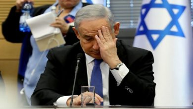 صورة نيويورك تايمز: الإسرائيليون يترقبون نهاية نتنياهو أما الفلسطينيون فيحتفلون بوحدتهم وتضامن العالم